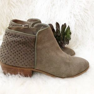 """Steve Madden """"Paver"""" Suede Studded Bootie Size 9"""